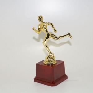 Кубок статуэтка на подставке Бег YM 127